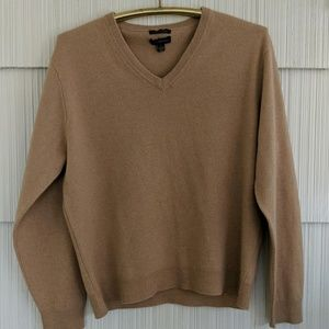 Men's camel colored V-neck cashmere sweater